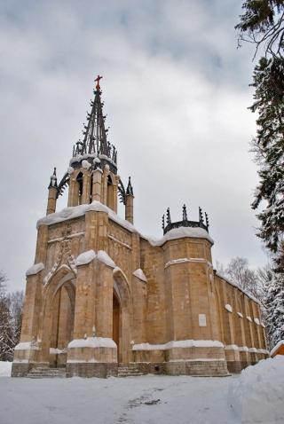 Неоготическая церковь Петра и Павла в Шуваловке