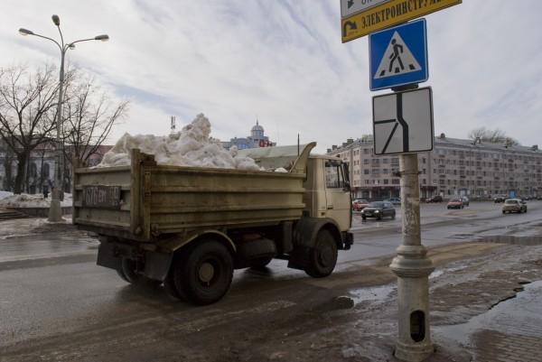 Вывоз снега во Пскове