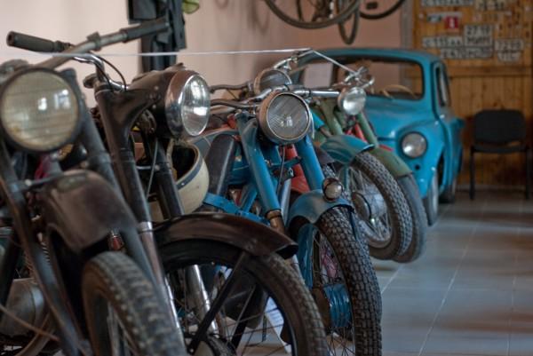 Мотоциклы и запорожец