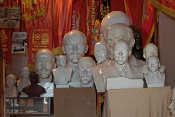 Коллекция бюстов Ленина