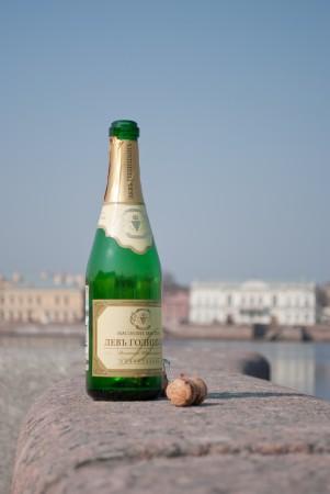 Шампанское на набережной