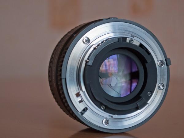 Байонет Nikon 50mm f/1.8D AF Nikkor
