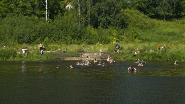 Пляж напротив финского парка