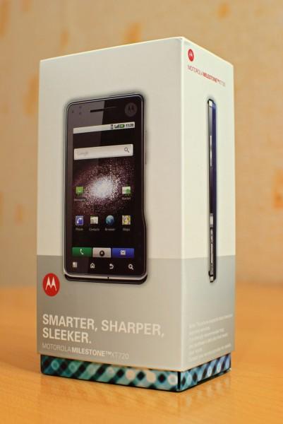 Коробка с Motorola Milestone xt720