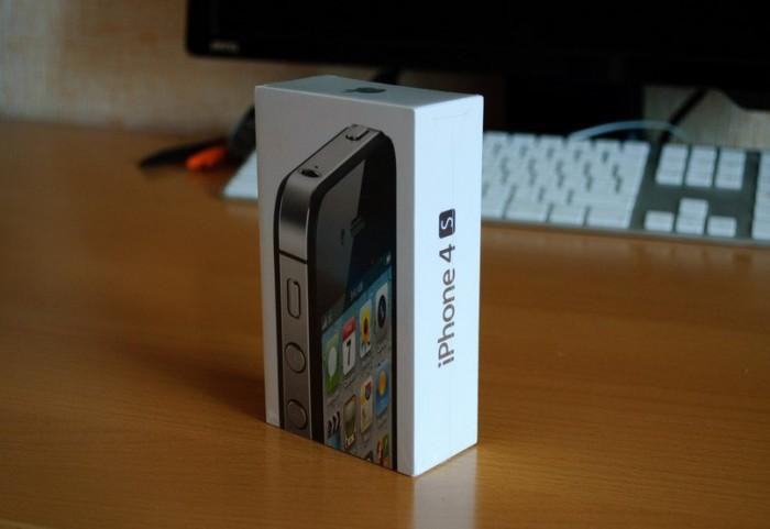 Мой новый iPhone 4s еще в упаковке