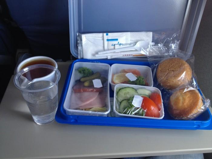 Еда в самолёте Санкт-Петербург Астрахань