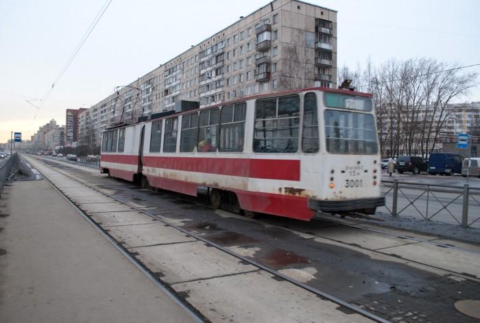 Ржавый 20 трамвай