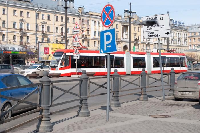 Новый трамвай на Сенной площади