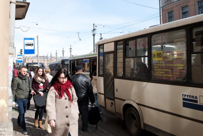 5 автобусов и все стоят