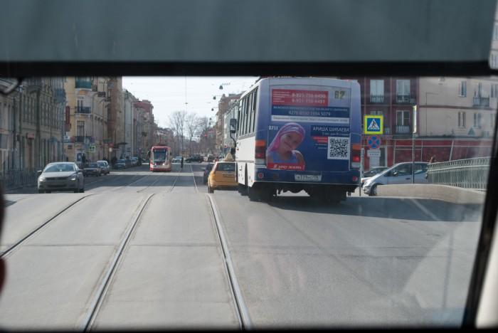 Вид на дорогу из кабины водителя