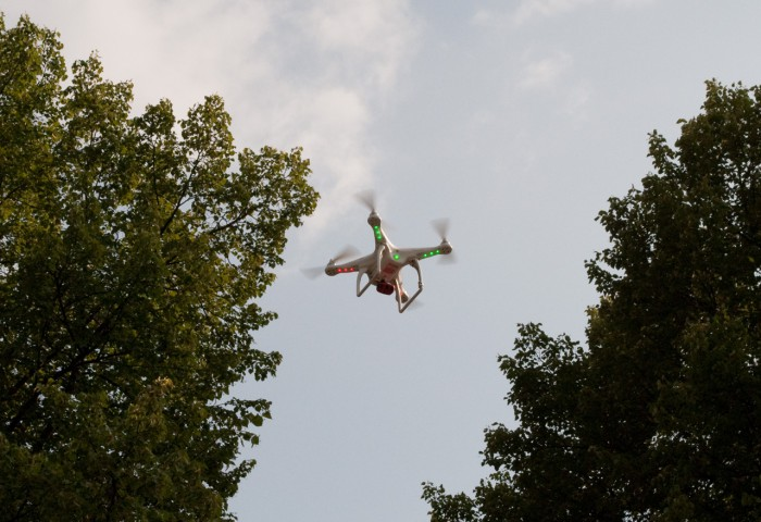 Квадрокоптер с огоньками