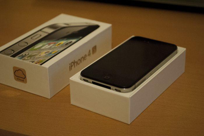 iPhone 4s в коробке