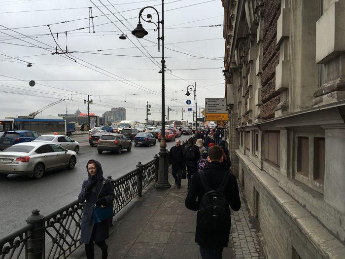 Тротуар у литейного моста