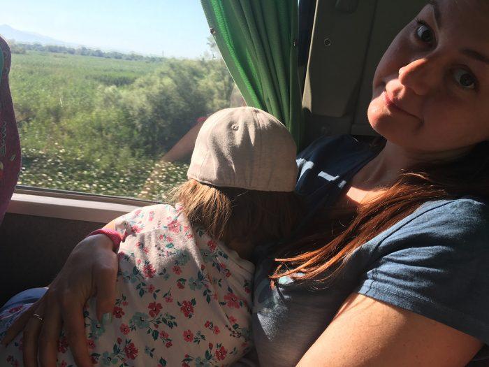 Рита и Маша в автобусе