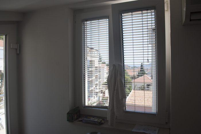 Вид из окна  в апартаментах villa lazovic