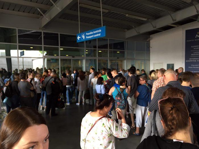 очереди на паспортный контроль в Тивате