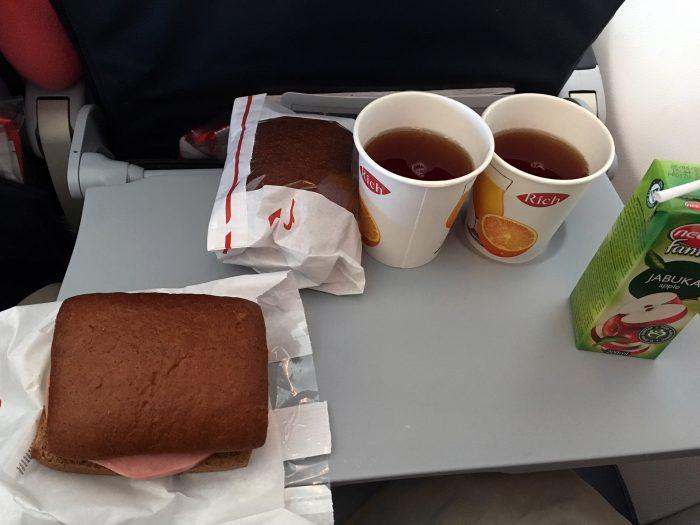 Комплект питания от авиакомпании Россия