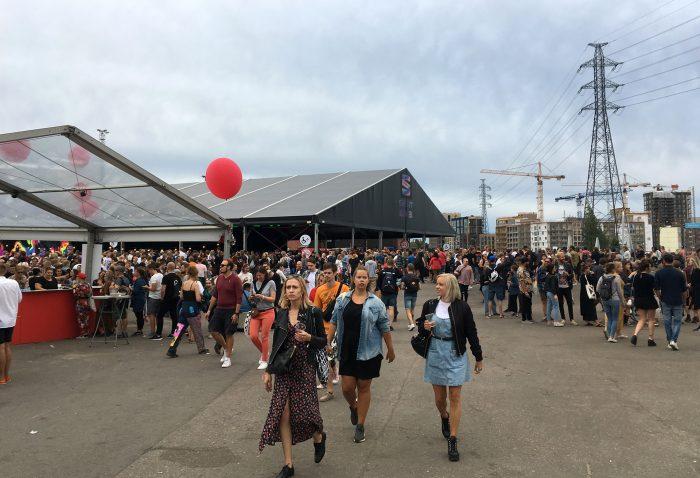 Seat Black Tent Flow Fest