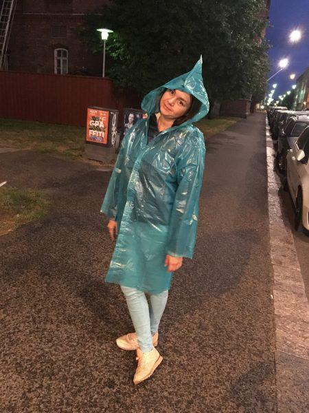Ритуська в дождевике