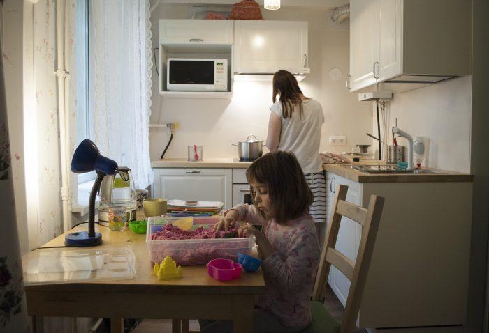 девчушки на кухне