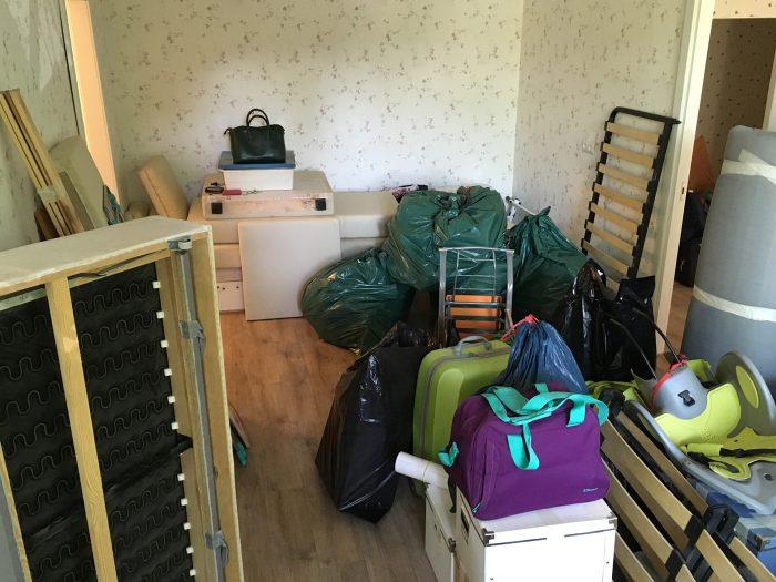 мешки и коробки во время переезда
