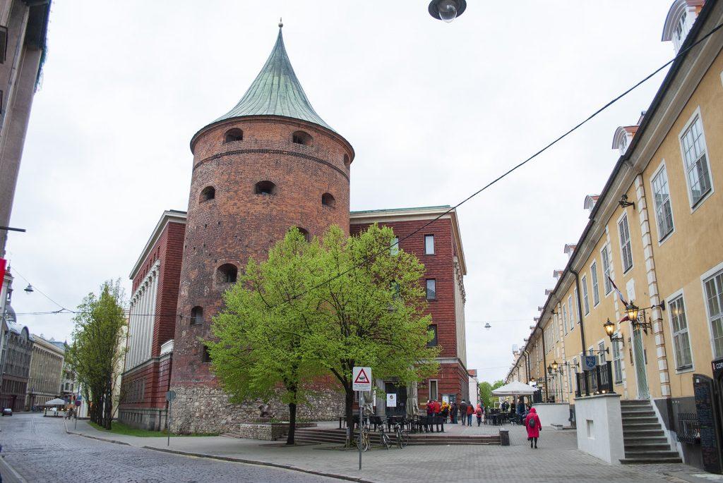 Башня в центре риги