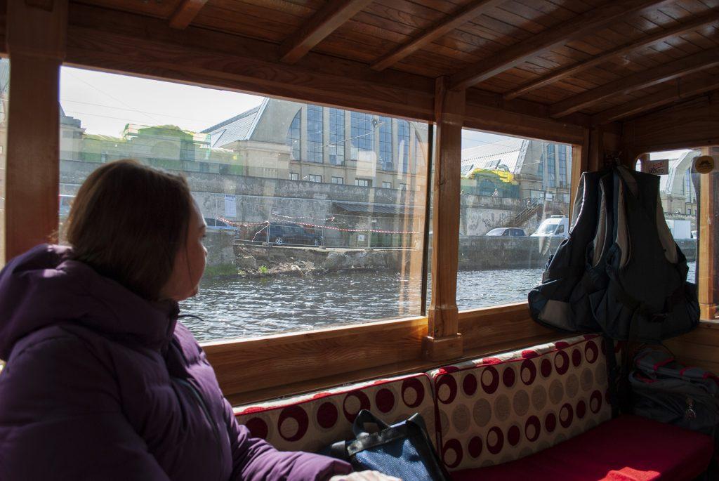 Центральный рынок Риги из окна лодки