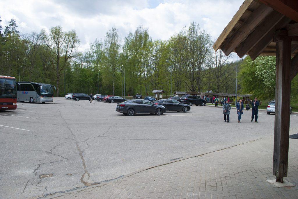 парковка в парке в сигулде