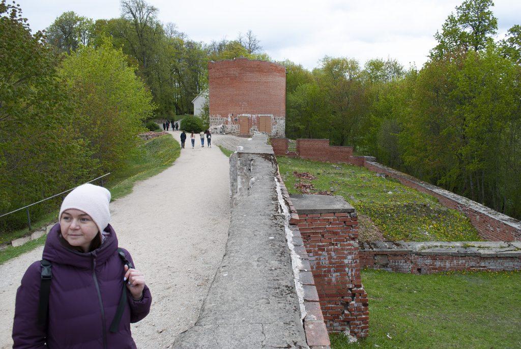 Фундамент у Турайдского замка