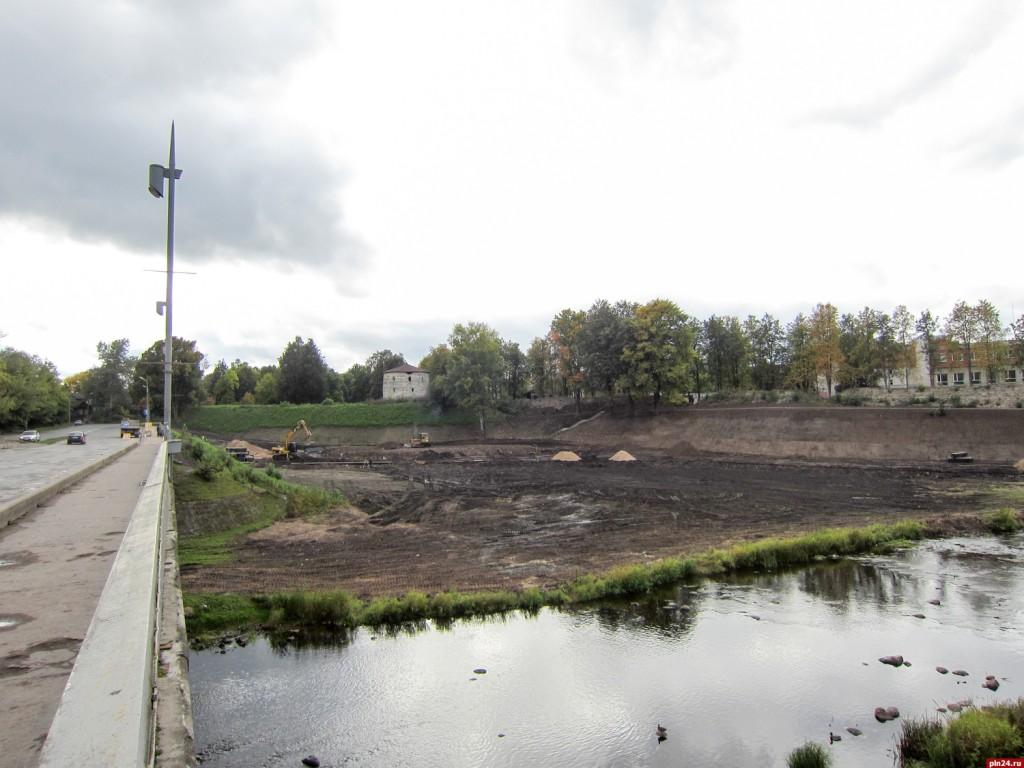 Набережная у Михайловского бастиона и Кузнецкого моста