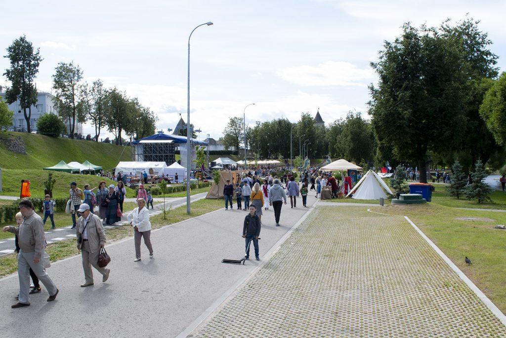 Сцена у Троицкого моста в финском парке