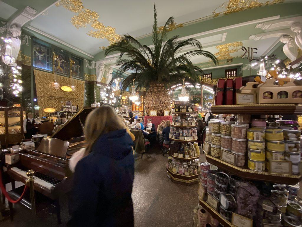 елисеевский магазин изнутри на широкоугольную камеру iphone 11 pro