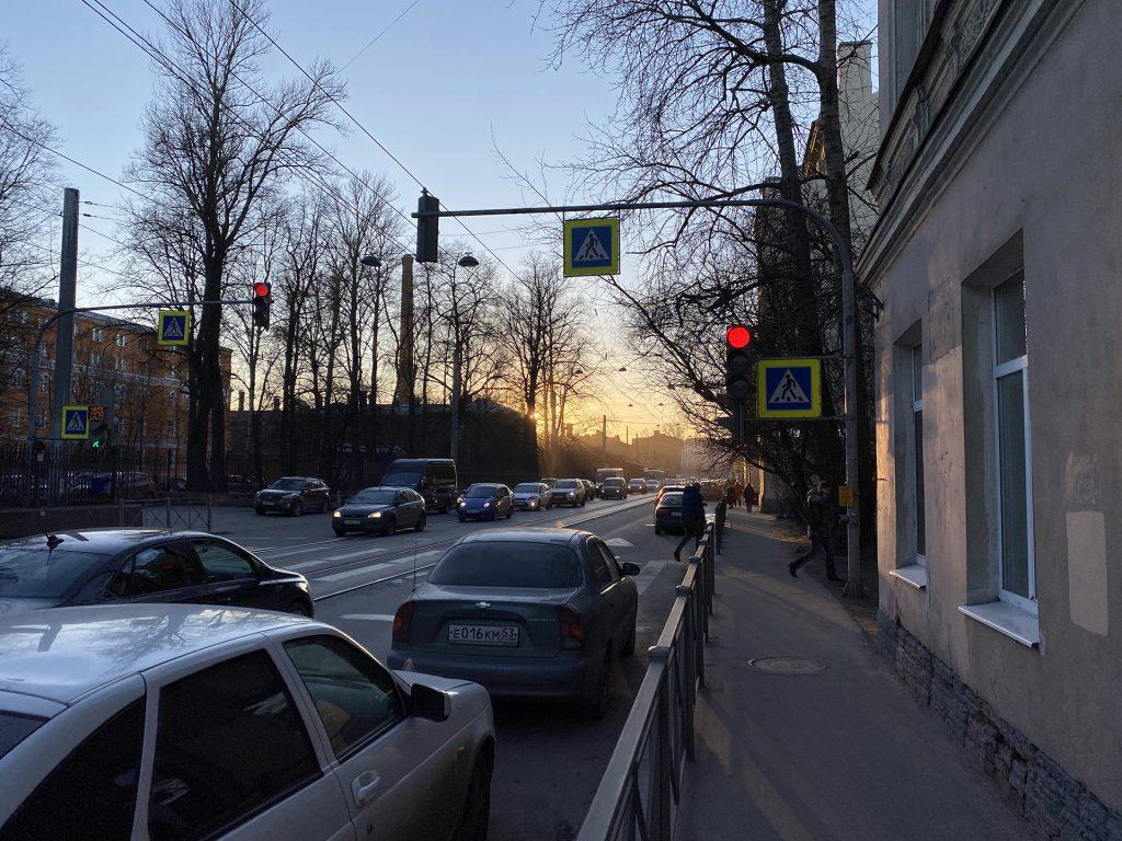 закат в городе снятый iphone 11 pro