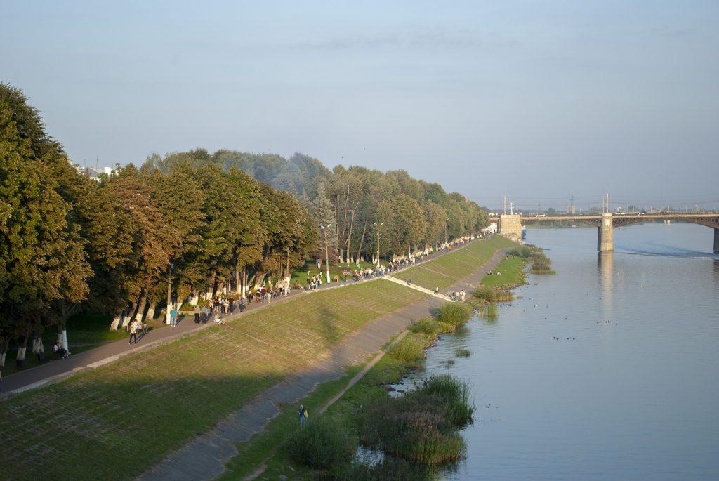 набережная Афанасия Никитина со Староволжского моста