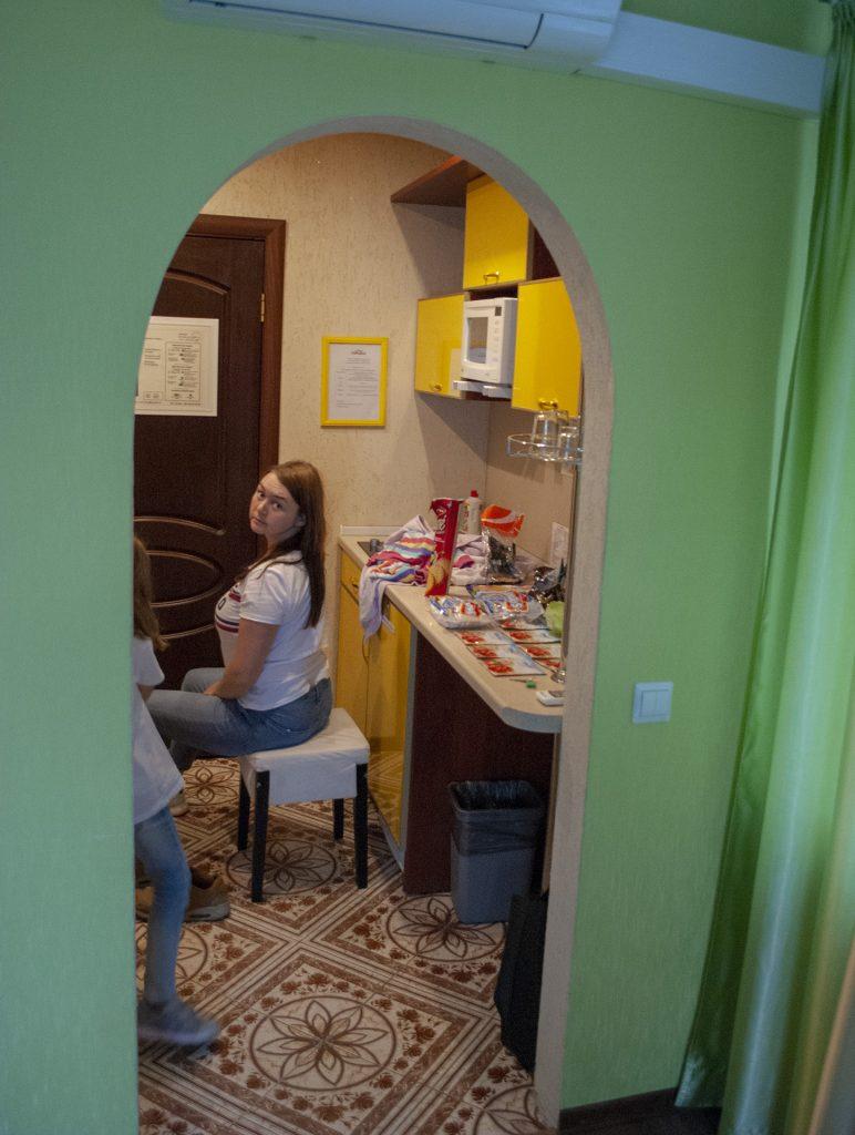 кухня в номере Теремок