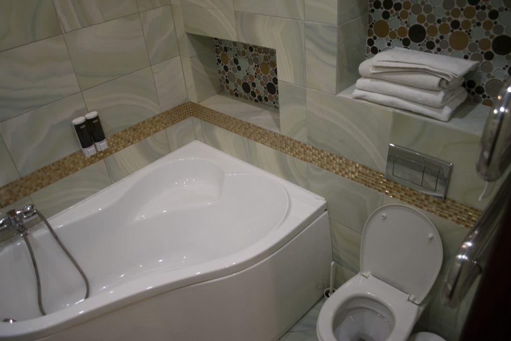 ванная в гостинице теремок