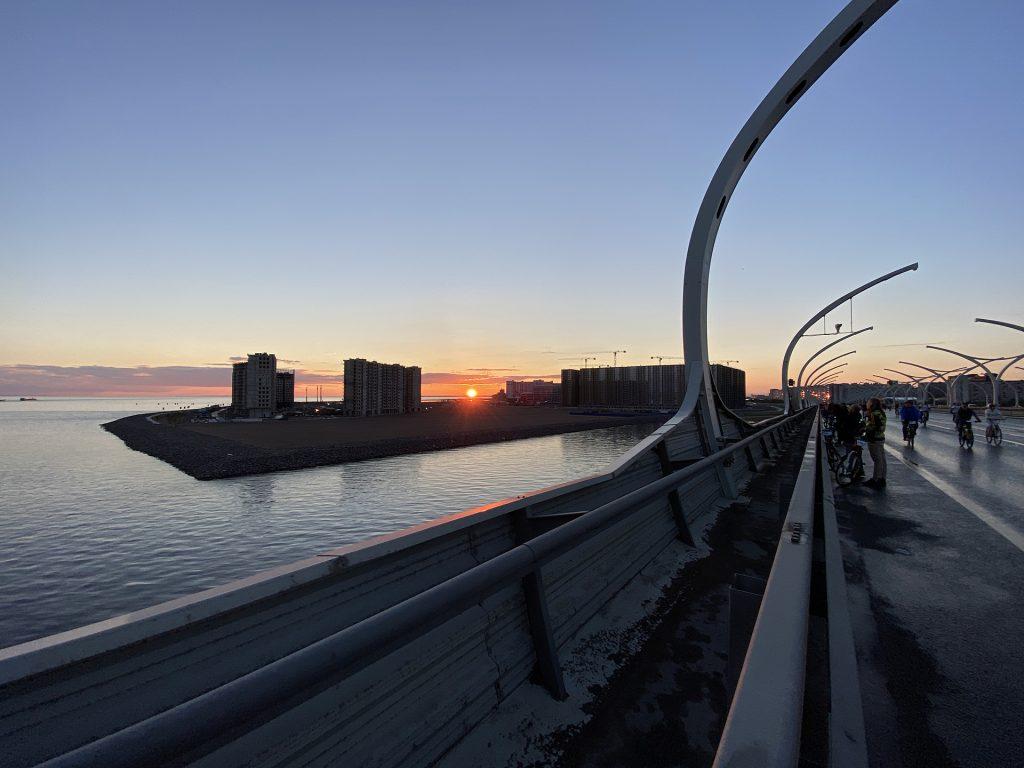 Закат на фоне намыва