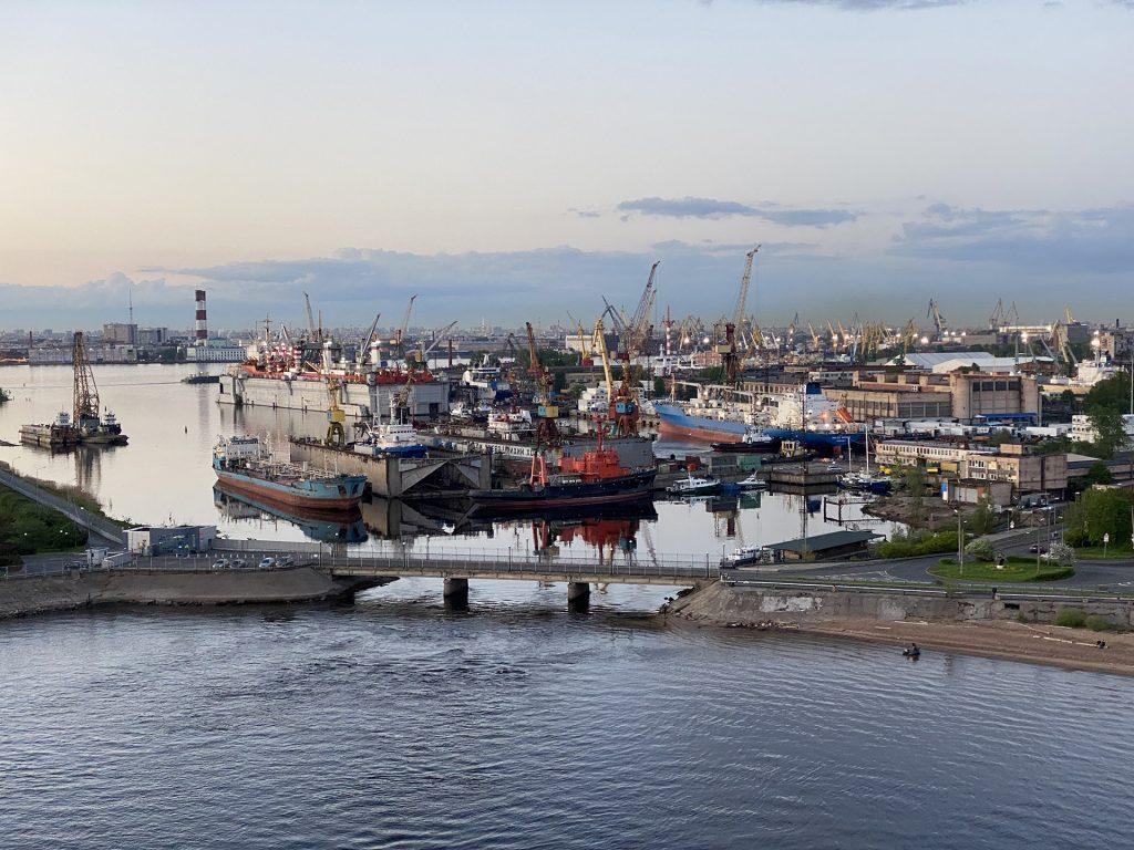 корабли в канонерской гавани