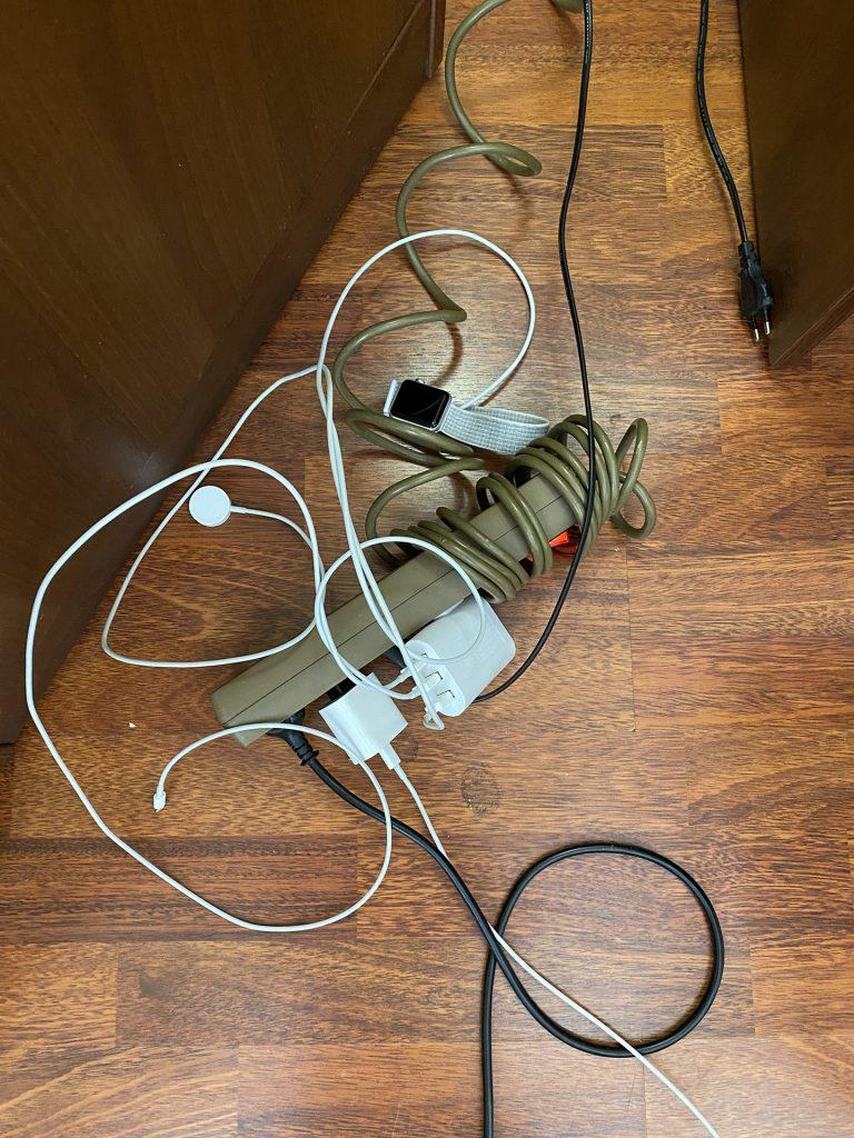 сетевой фильтр и зарядные устройства