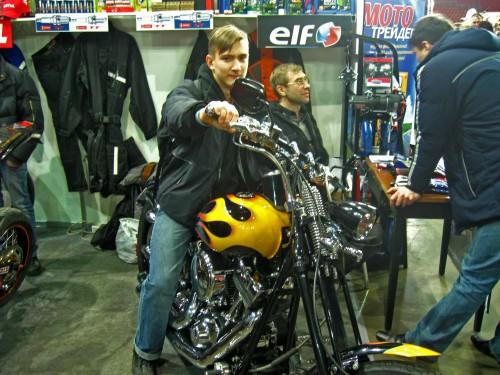 ВелоПсков осваивает мотоциклы на ВелоЭкспо