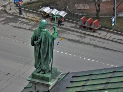 Скульптура на крыше Исаакиевского Собора