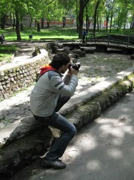 Вадим охотится на голубей
