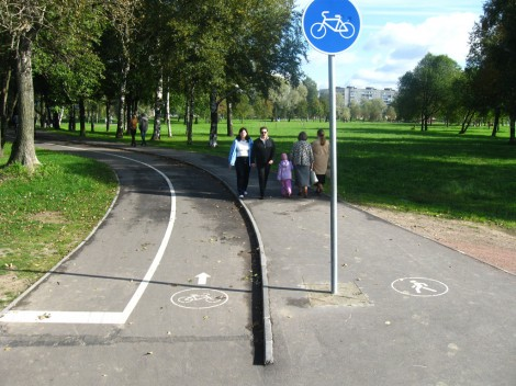 Велодорожки в Муринском парке Санкт-Петербурга