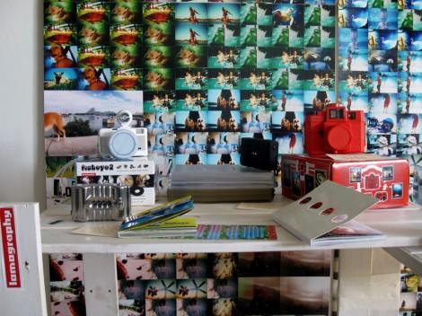 Выставка-продажа фотоаппаратов ЛОМО на Заводе